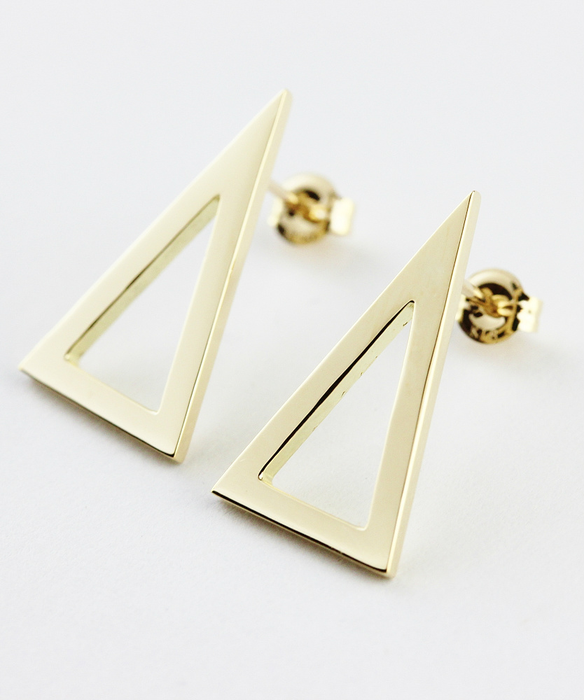 ピナコテーカ 715 シャイン 二等辺三角形 トライアングル 華奢ピアス 18金,pinacoteca Shine Isosceles Triangle Stud Earrings K18